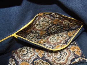 "14"" inside zipper pocket &  10"" slipper pocket"