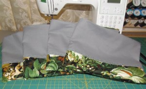 Green/silver pillowcases